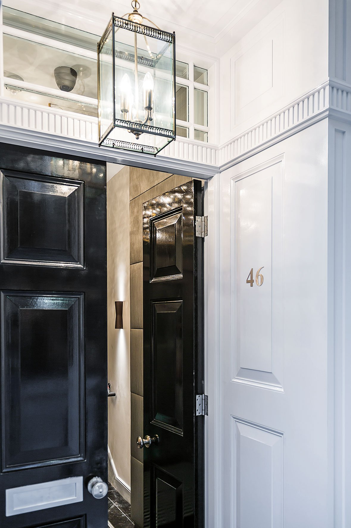 Sophisticated Apartment Located in the Heart of London-02