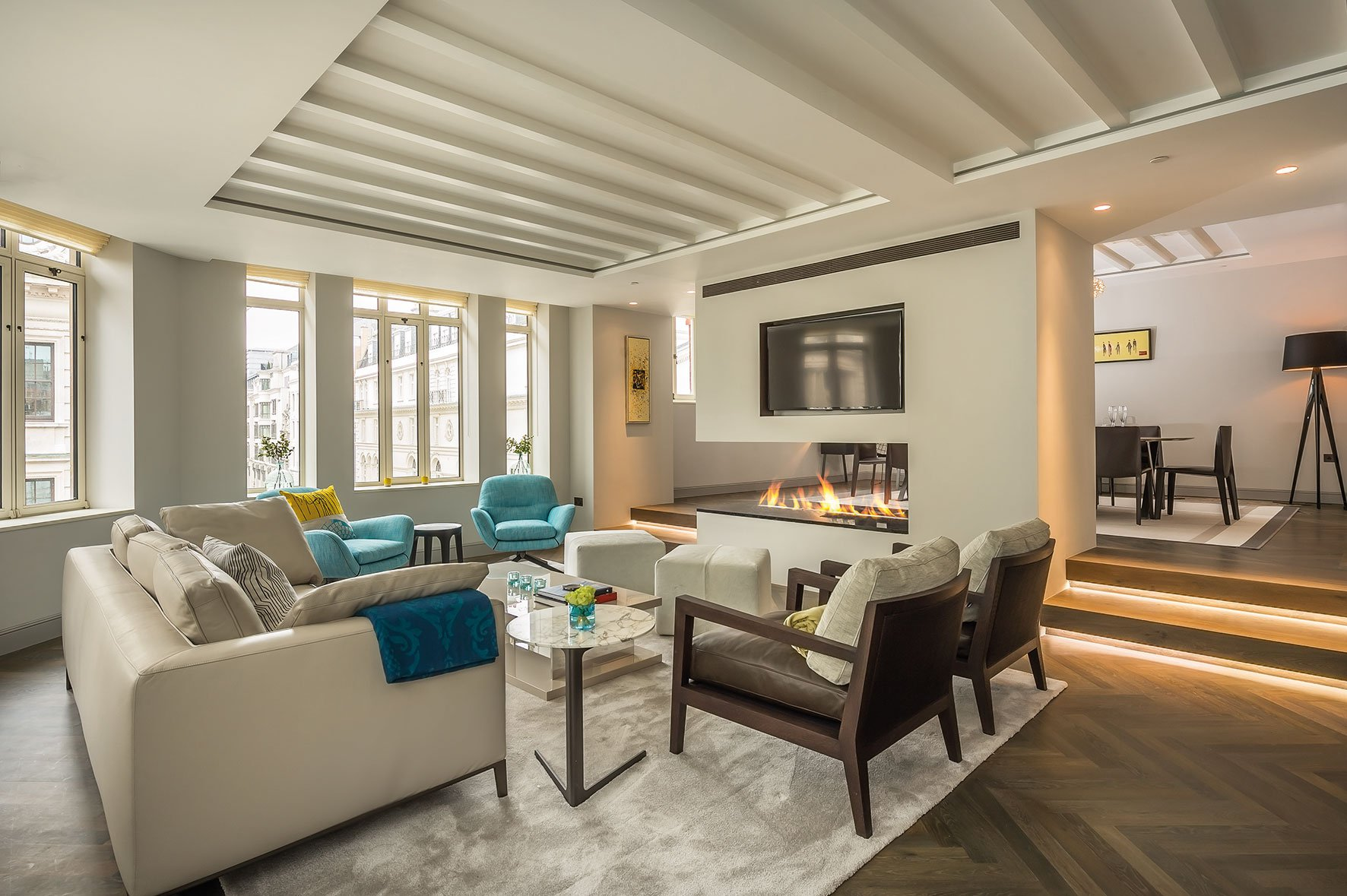 Sophisticated Apartment Located in the Heart of London-06