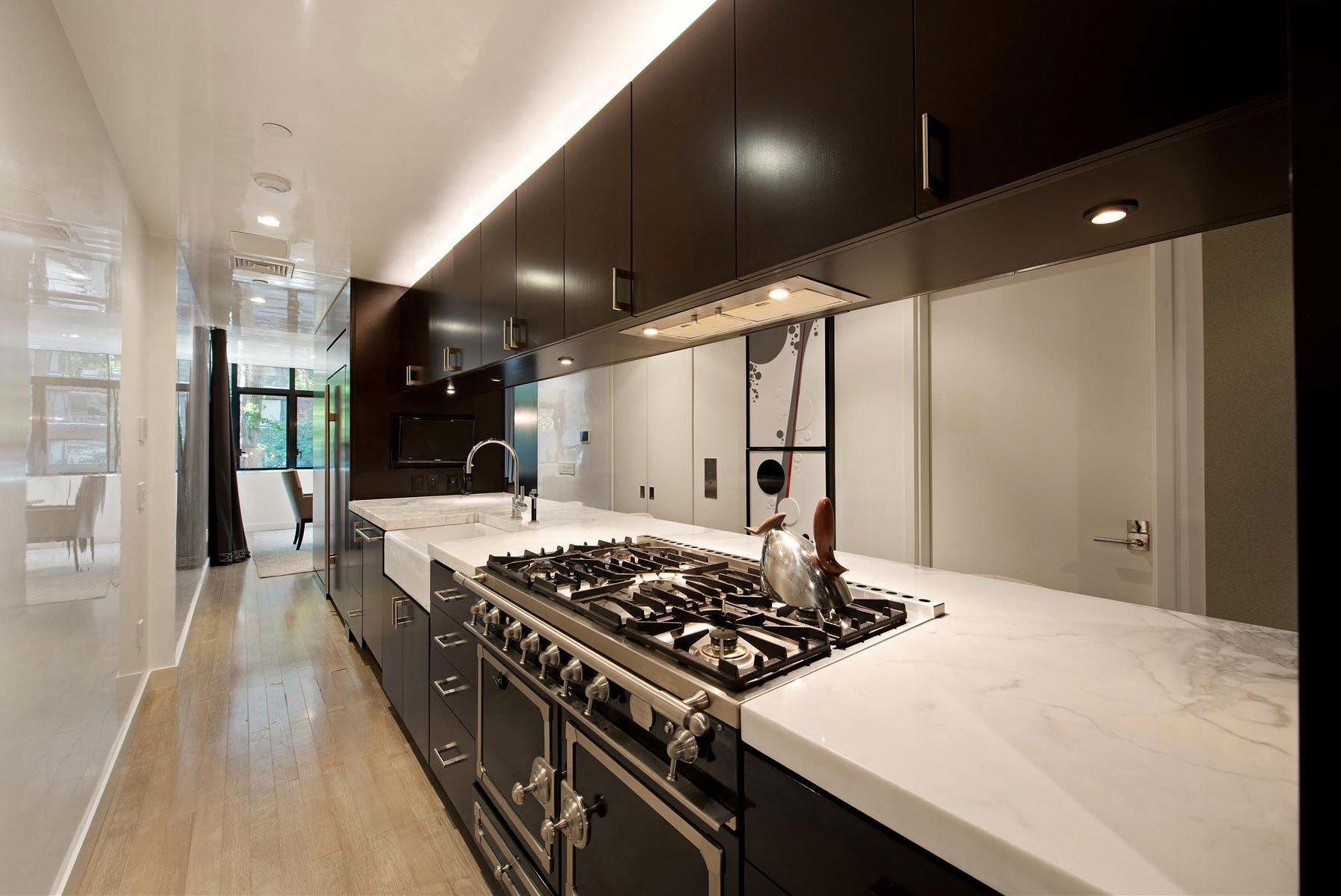 Stunning-Modern-Townhouse-Living-05