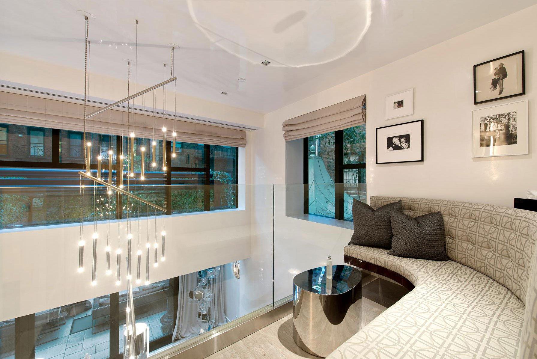 Stunning Modern Townhouse In New York CAANdesign