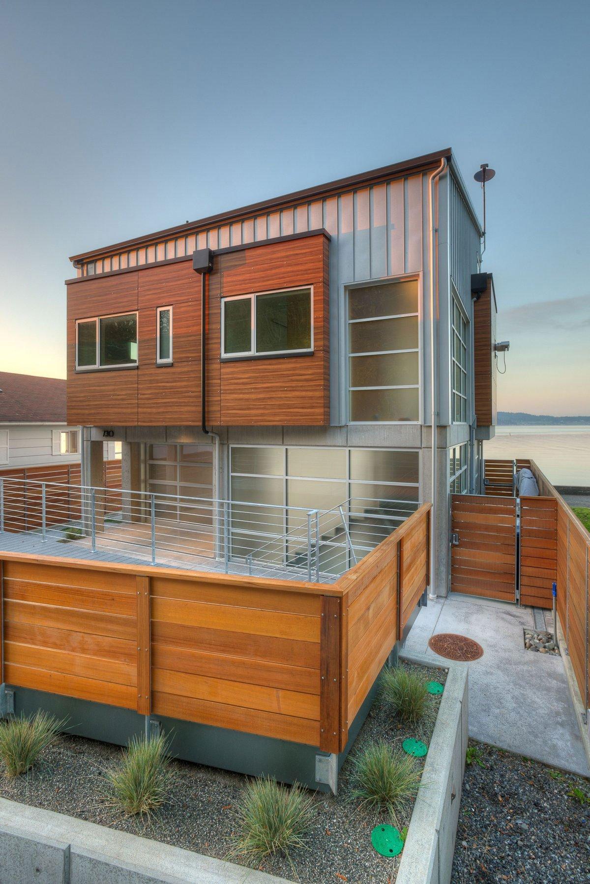 The-Tsunami-House-04