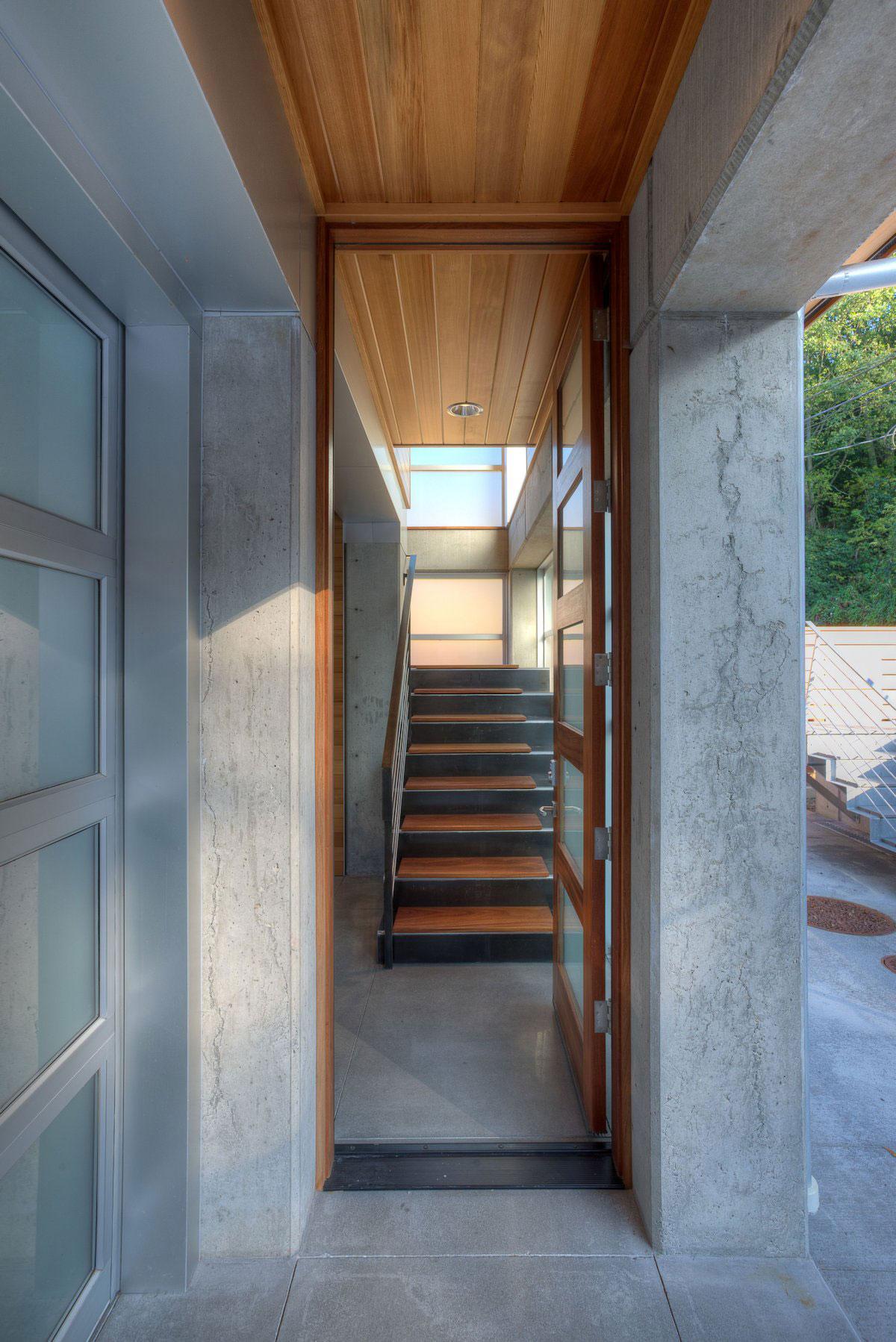 The-Tsunami-House-09
