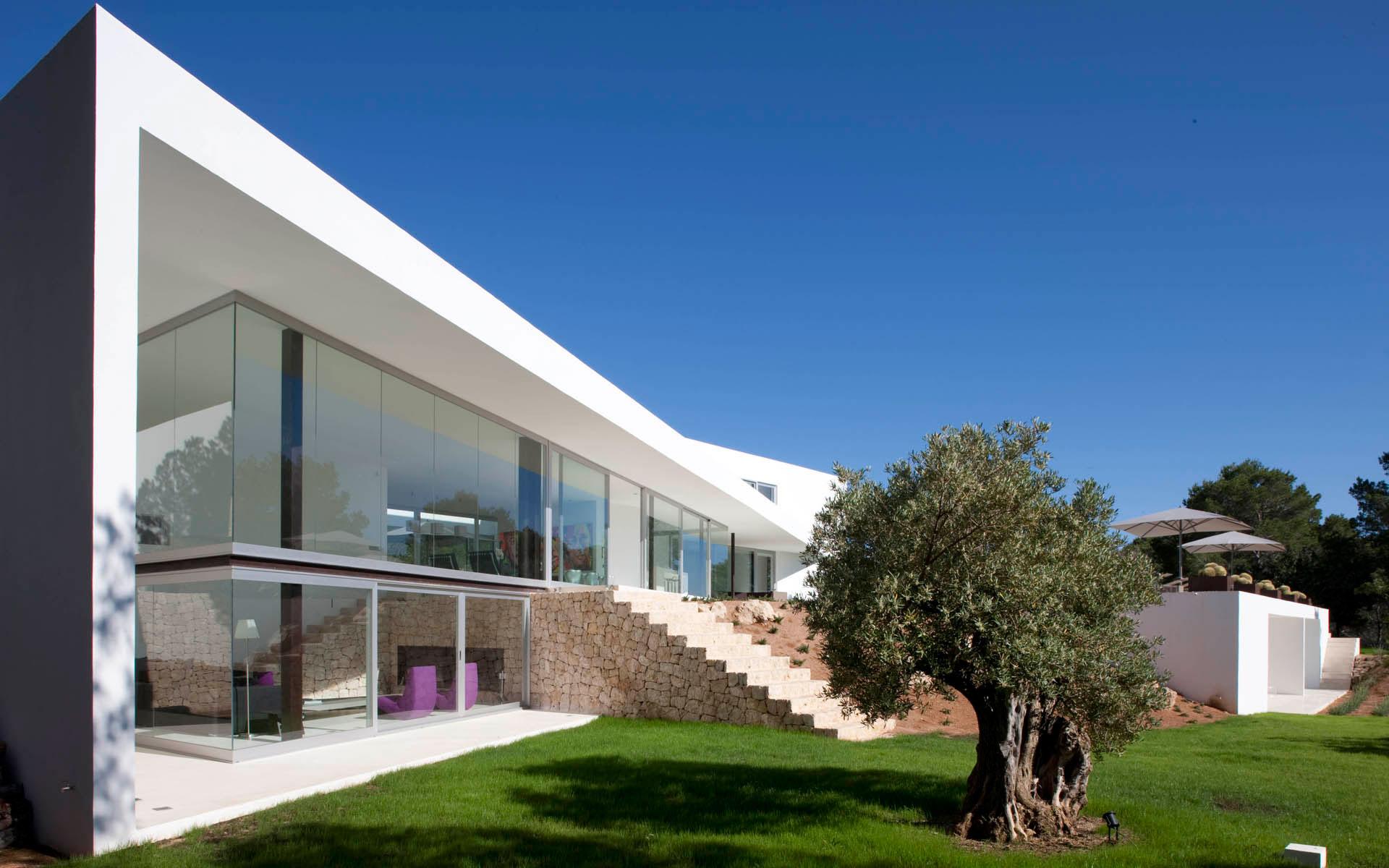 Mediterranean villa ixos in ibiza caandesign for Mediterranean villa architecture