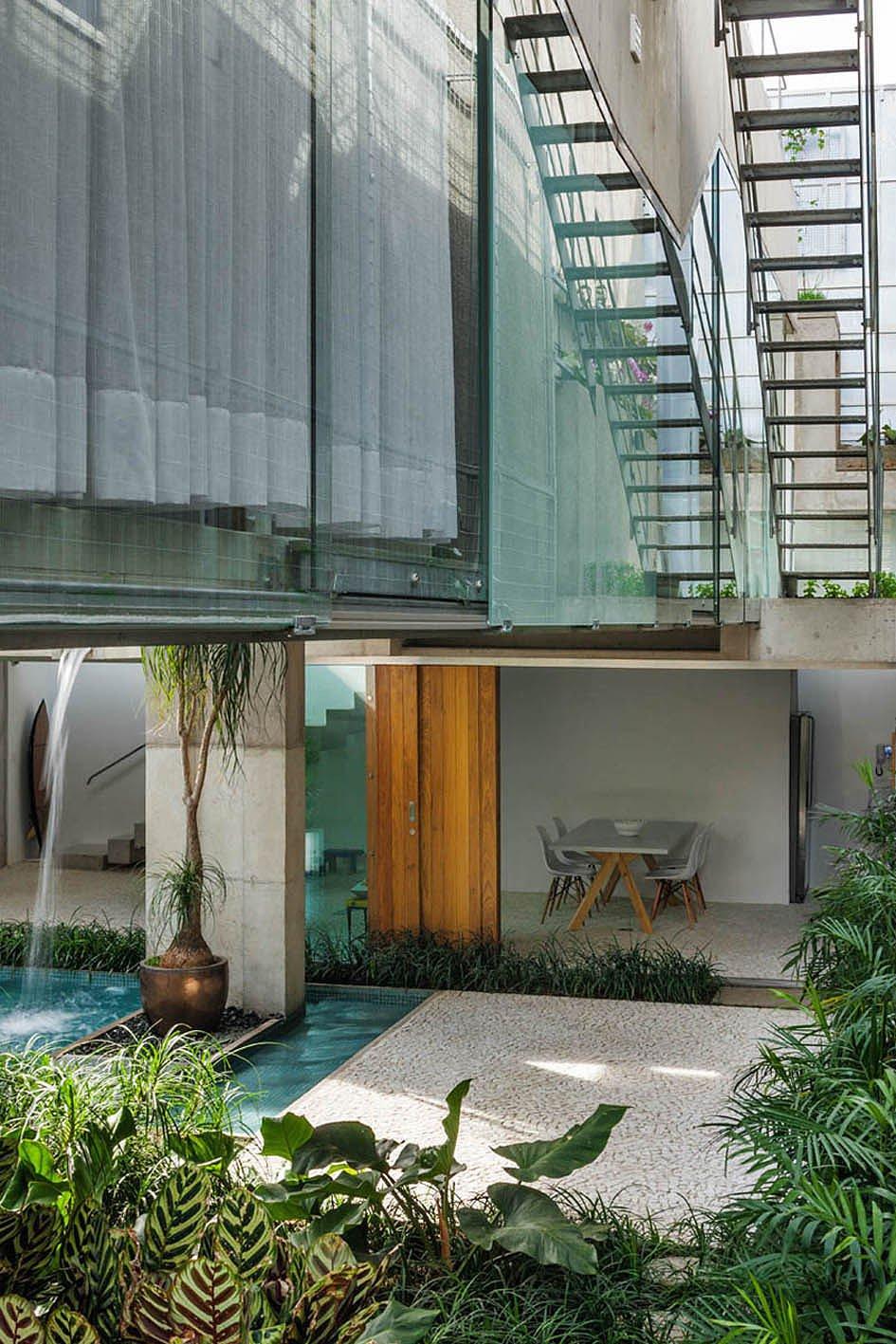 Weekend-House-in-Downtown-Sao-Paulo-07