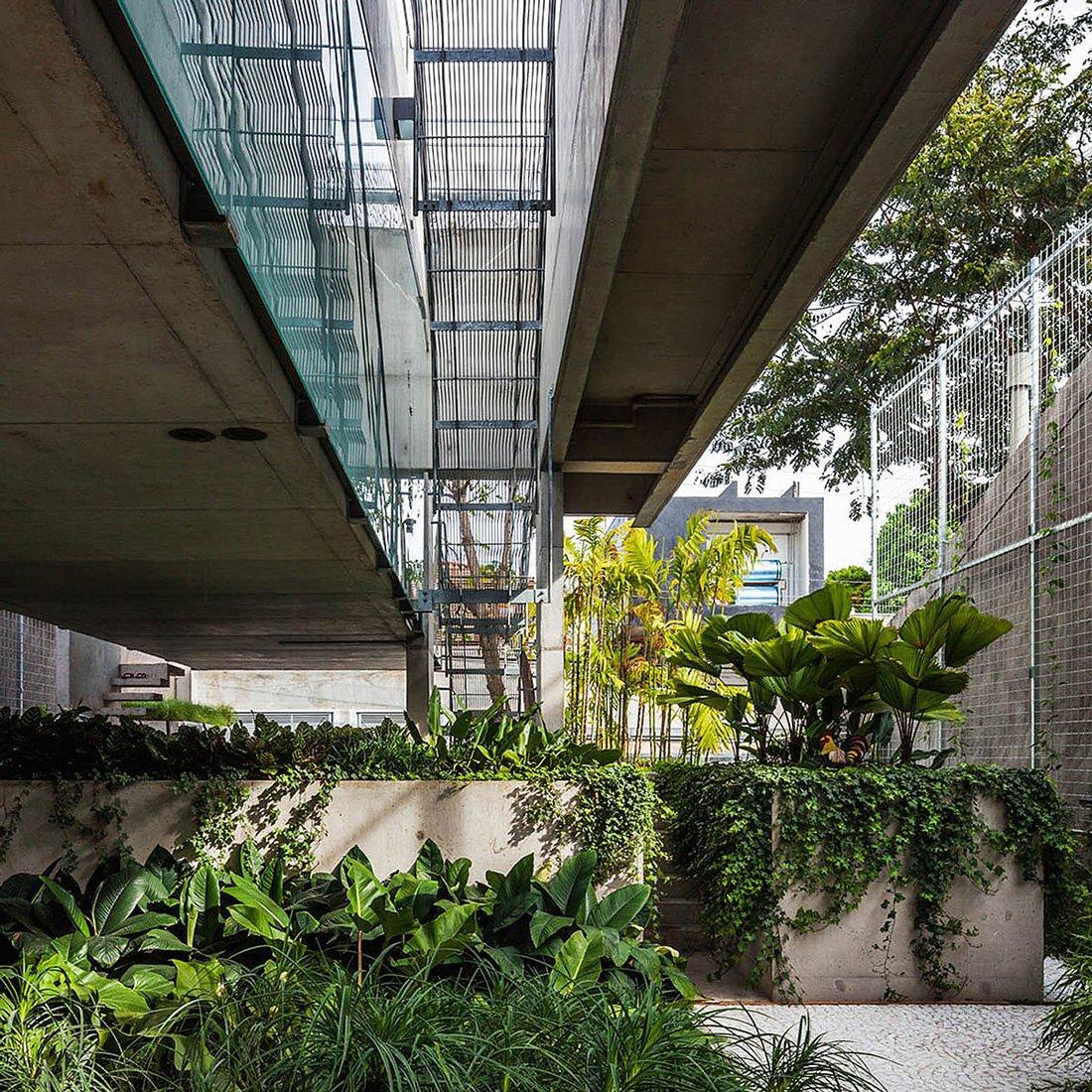 Weekend-House-in-Downtown-Sao-Paulo-10-1
