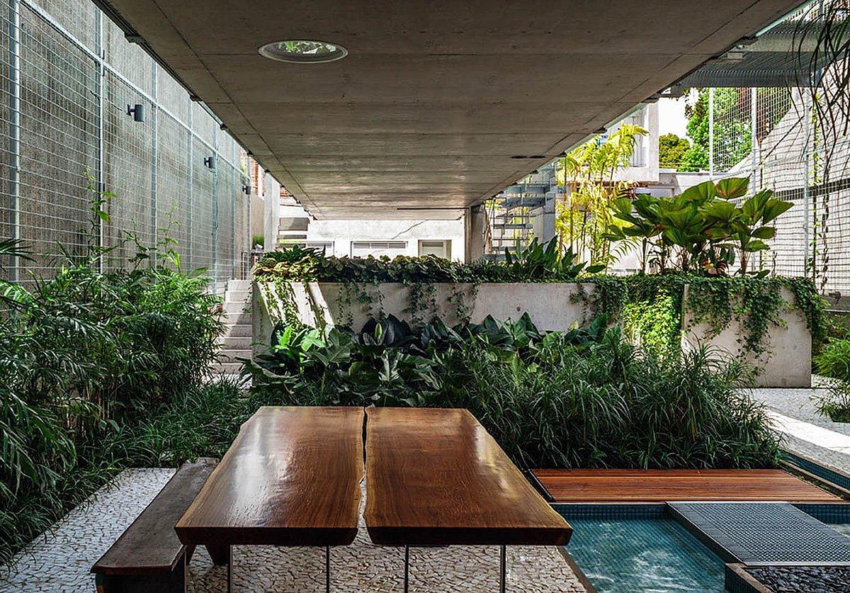 Weekend-House-in-Downtown-Sao-Paulo-11
