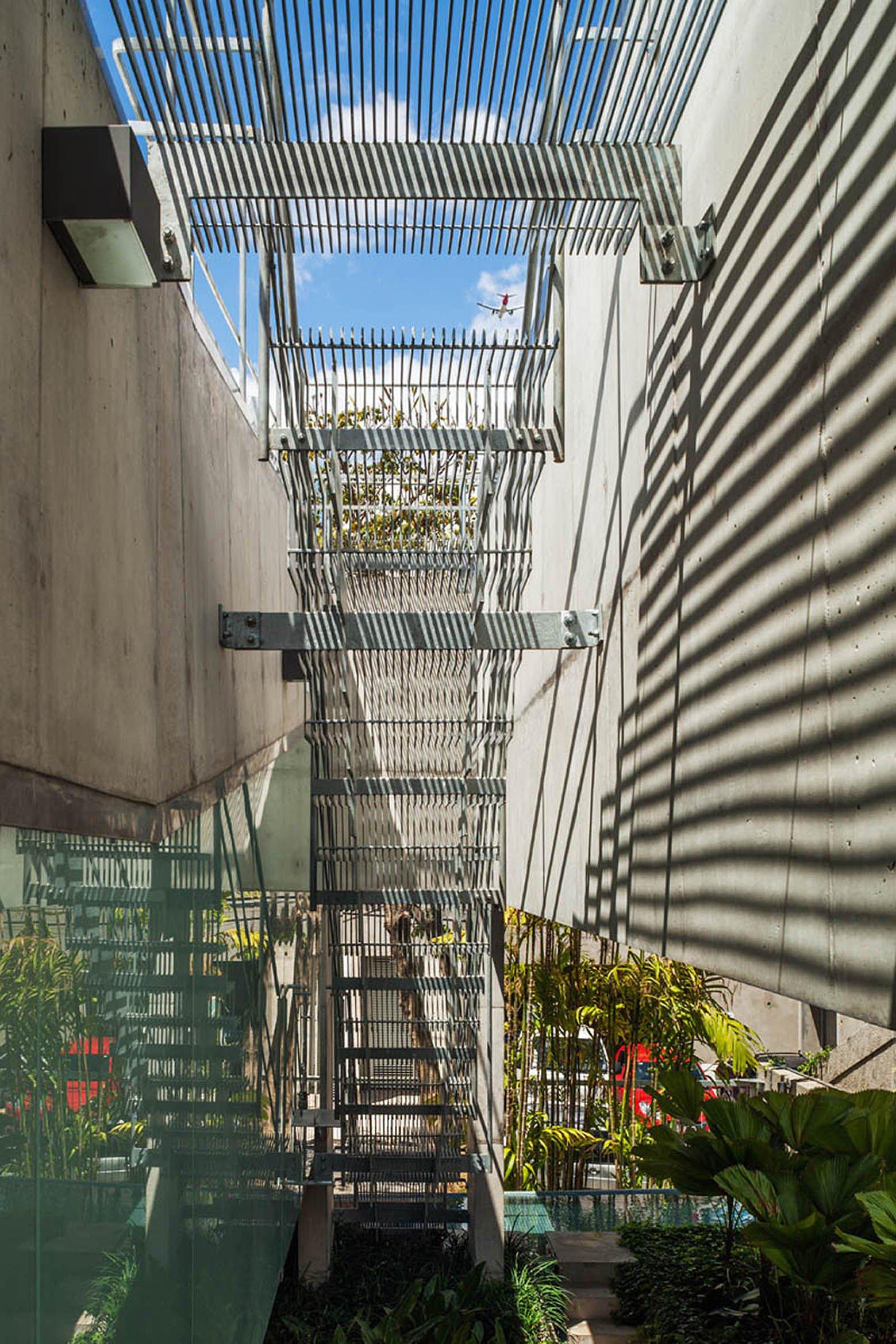 Weekend-House-in-Downtown-Sao-Paulo-13