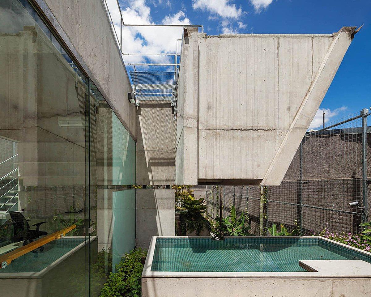 Weekend-House-in-Downtown-Sao-Paulo-15
