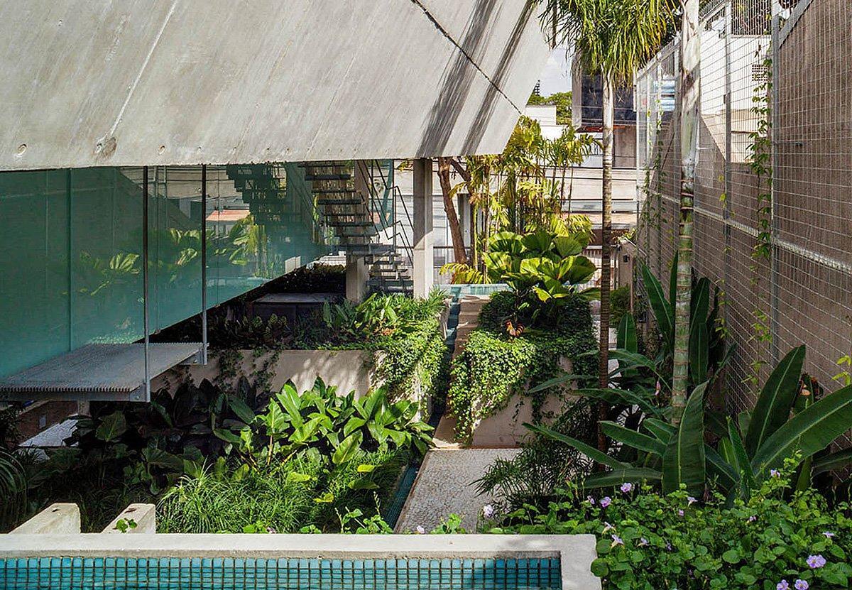 Weekend-House-in-Downtown-Sao-Paulo-16