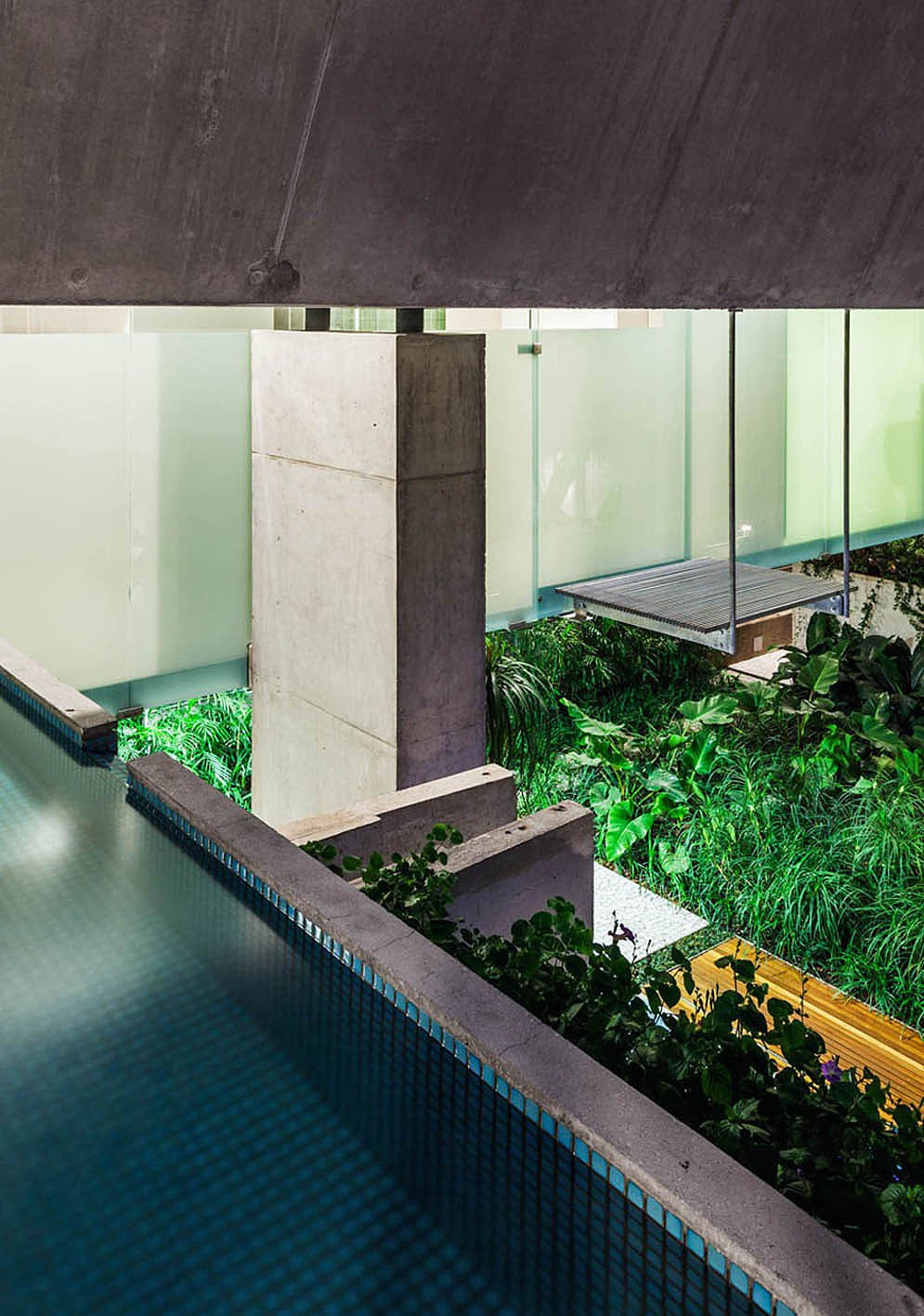 Weekend-House-in-Downtown-Sao-Paulo-18-2