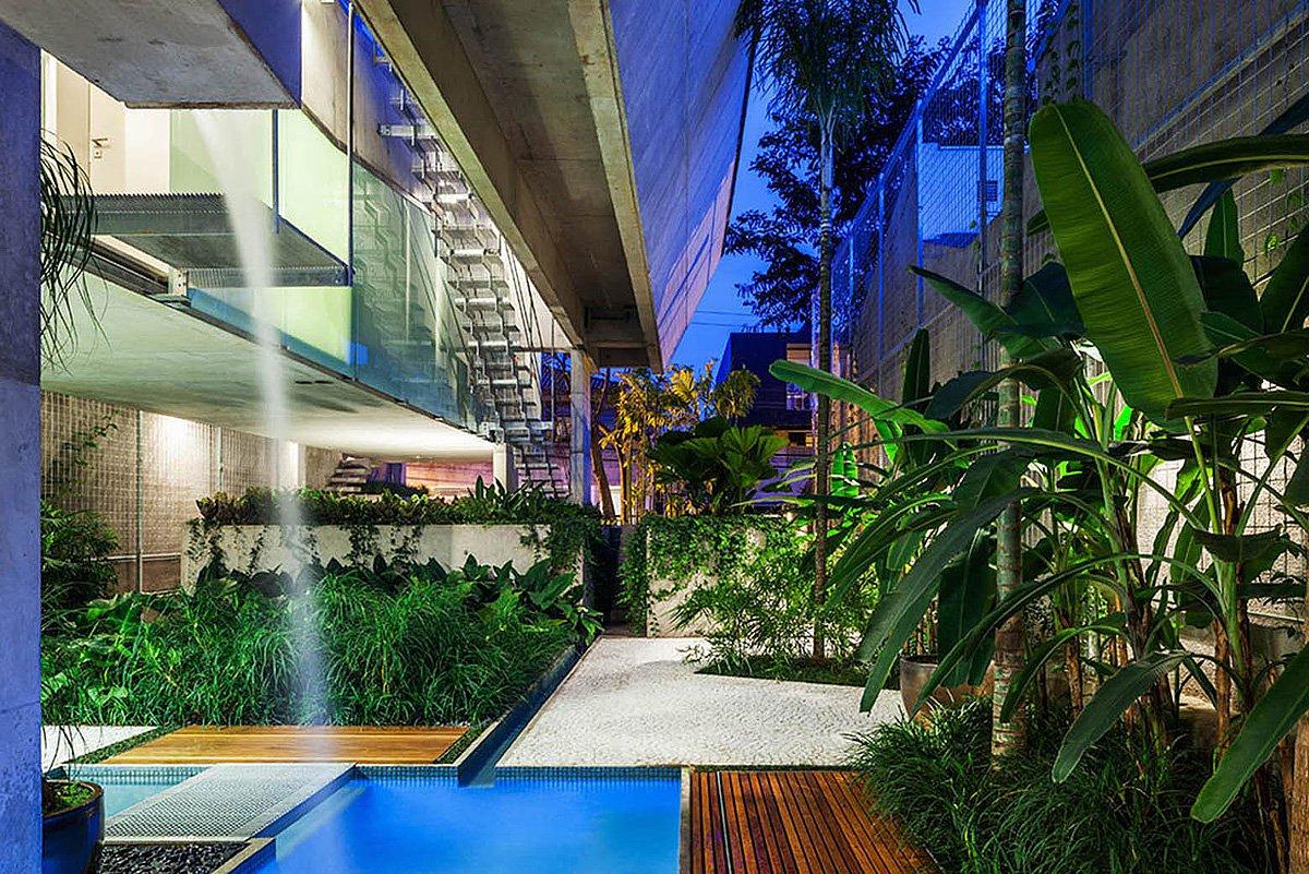 Weekend-House-in-Downtown-Sao-Paulo-19