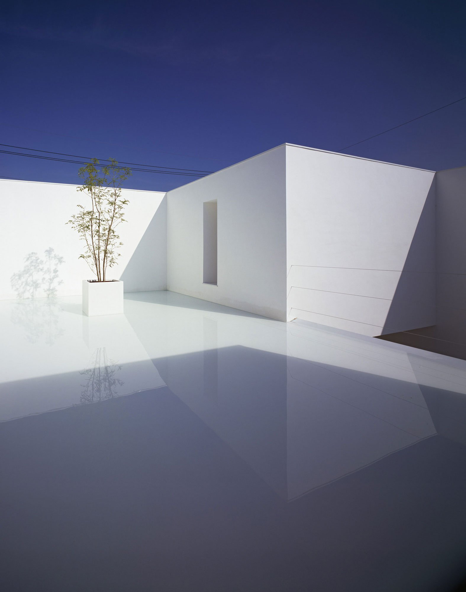 White-Cave-House-04