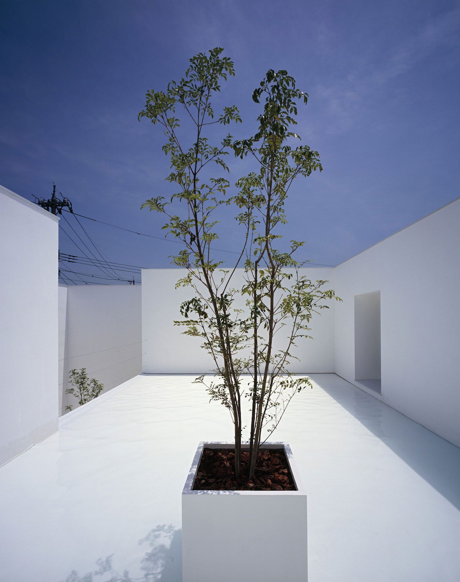 White-Cave-House-05