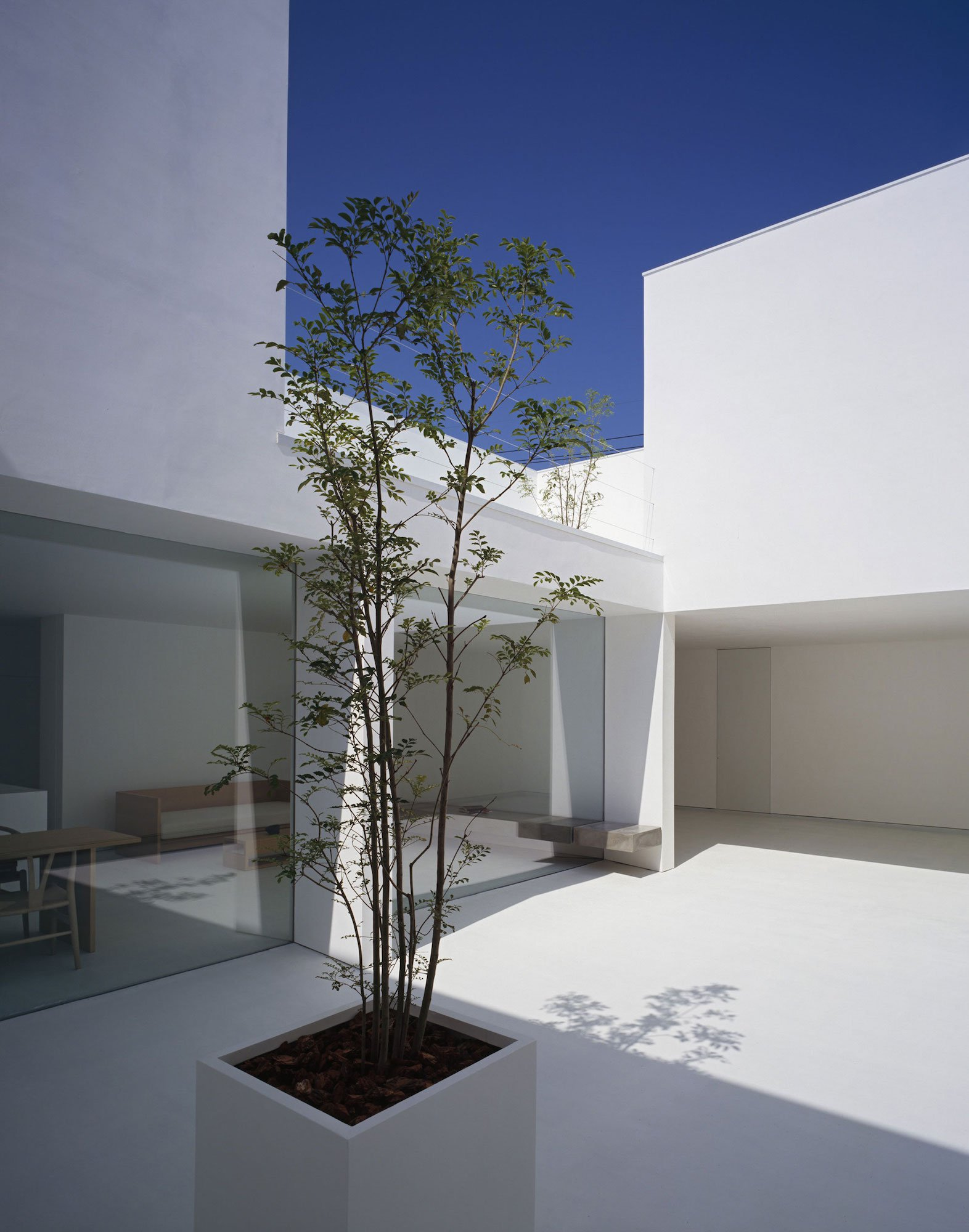 White-Cave-House-06