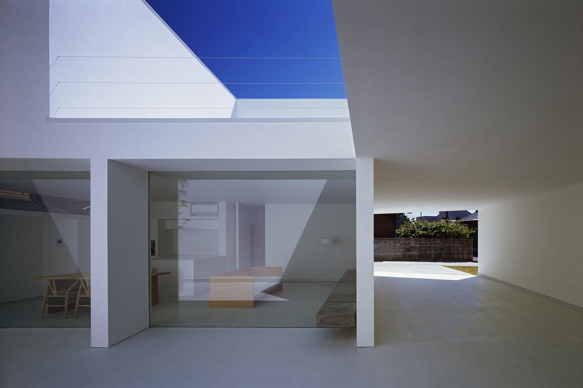 White-Cave-House-09