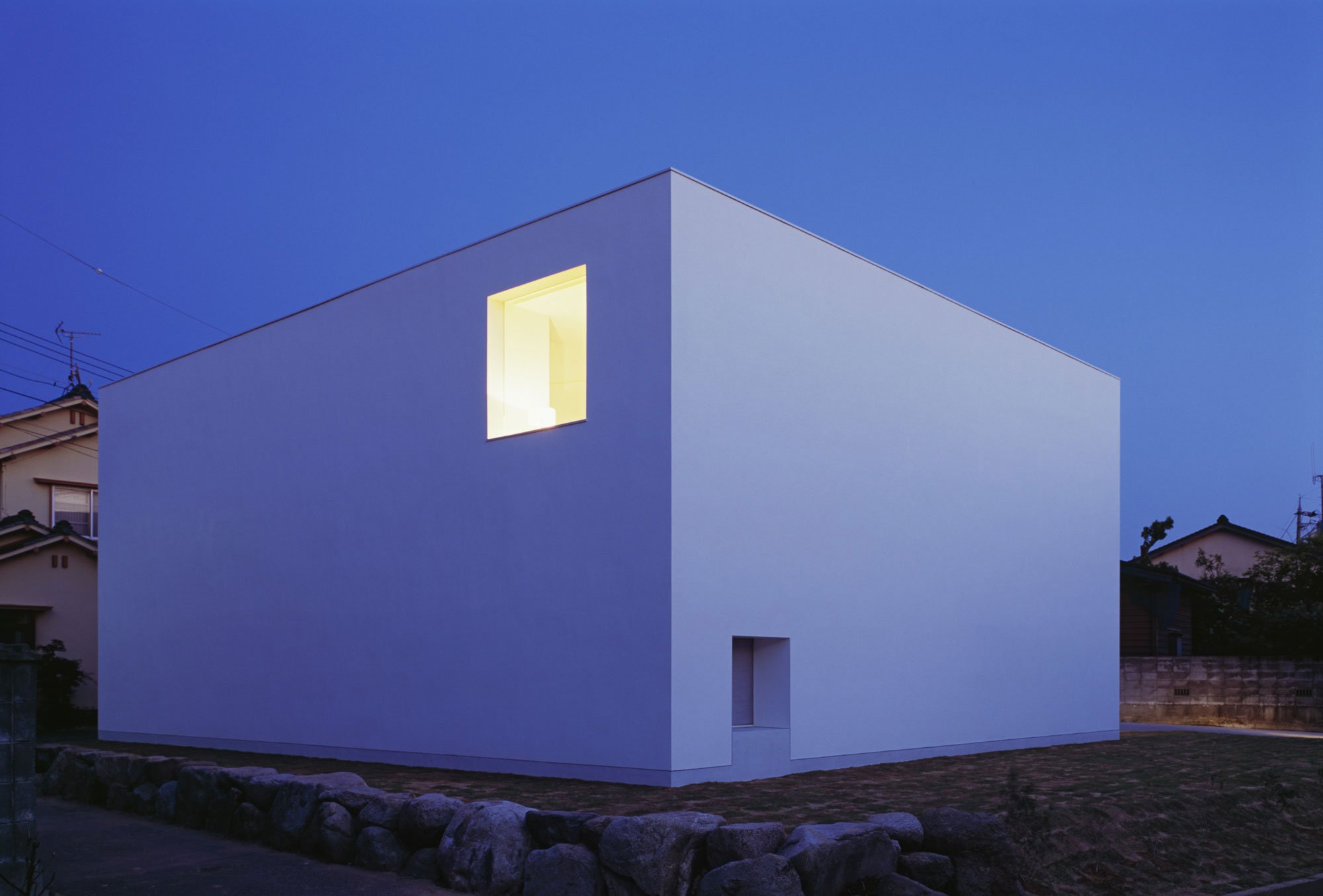 White-Cave-House-19