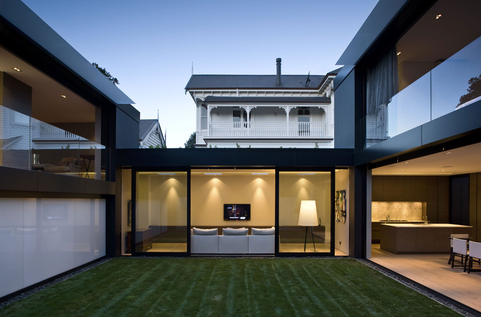 city-house-02