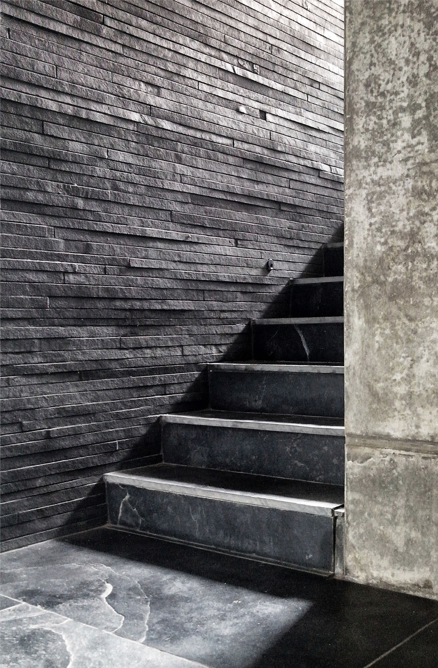house-cast-in-liquid-stone-19