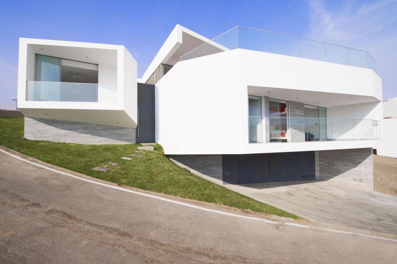 J4 houses by vertice arquitectos caandesign - Casas en pendiente ...