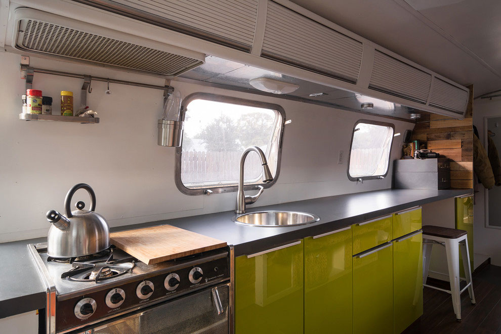 1976 Airstream-A-Portable-Home-Renovation-06