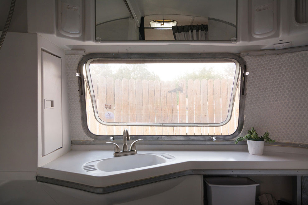 1976 Airstream-A-Portable-Home-Renovation-10
