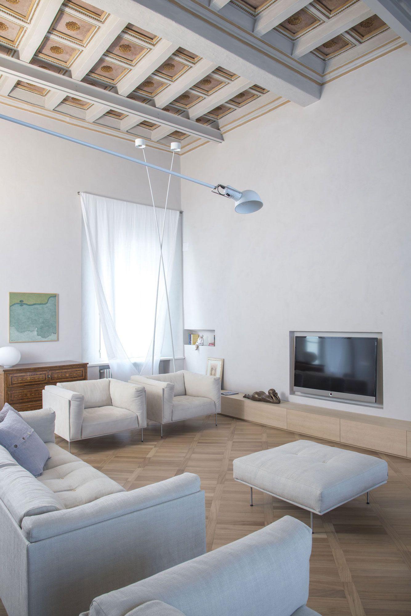 Apartment-in-Piacenza-02