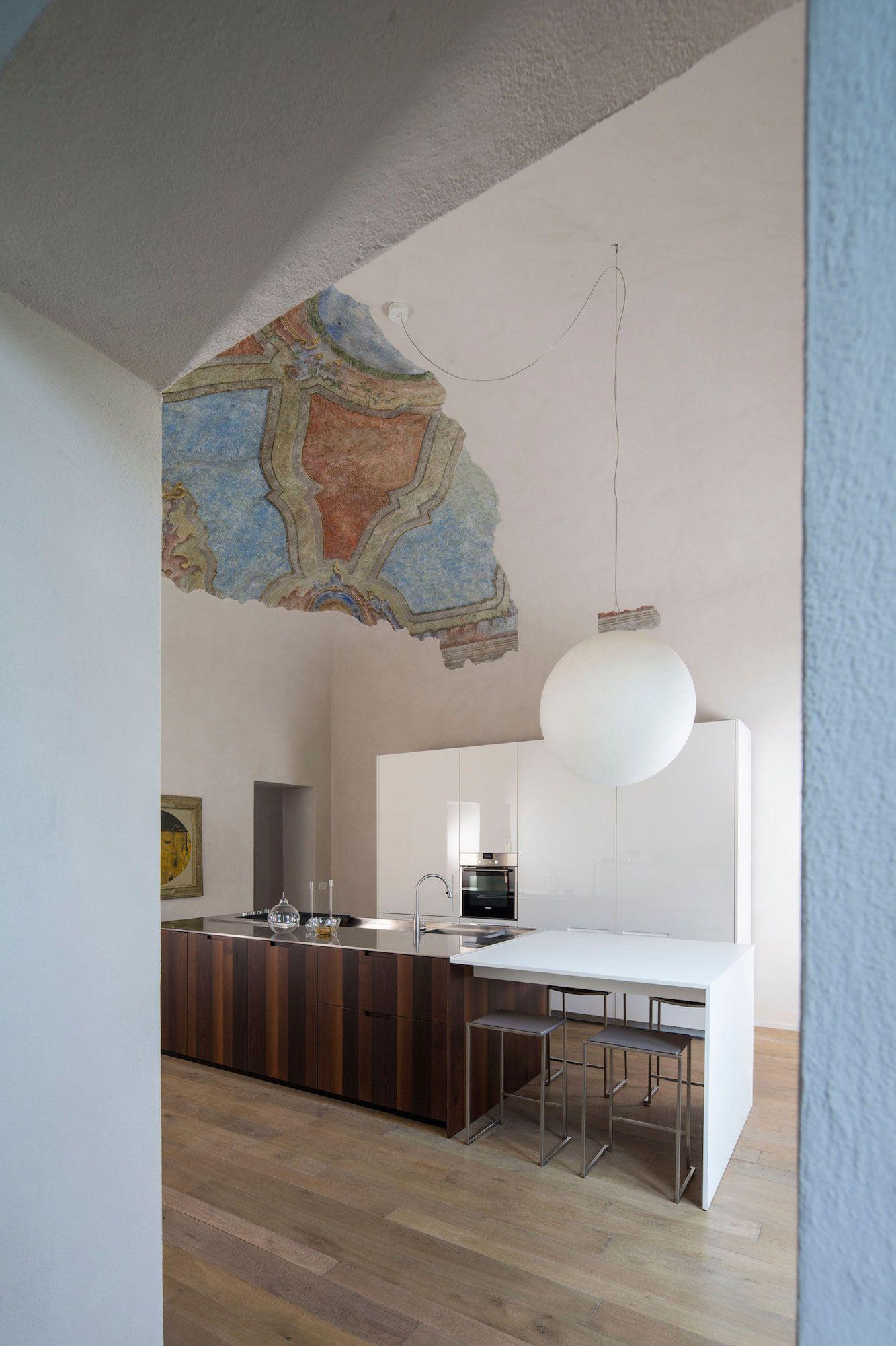 Apartment-in-Piacenza-04