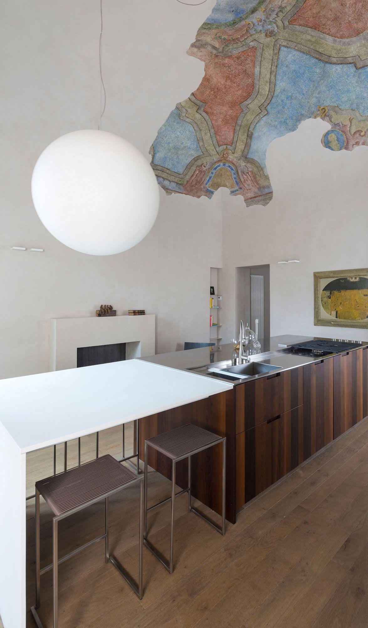 Apartment-in-Piacenza-05