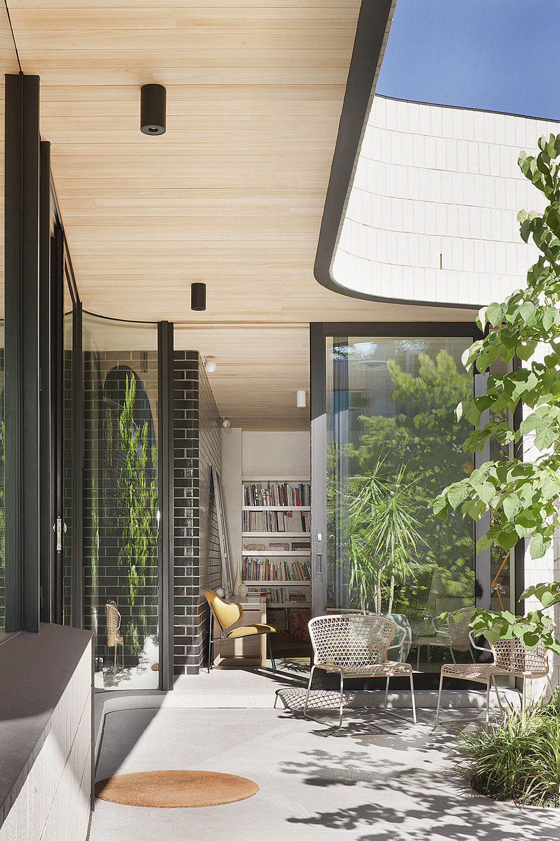 Brick House by Clare Cousins Architects-05