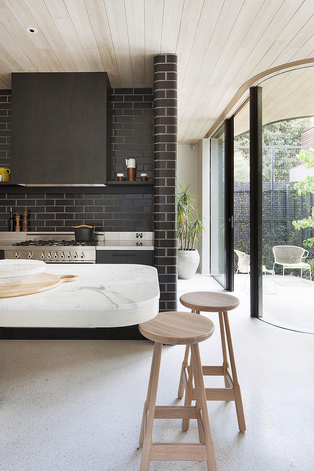 Brick House by Clare Cousins Architects-12