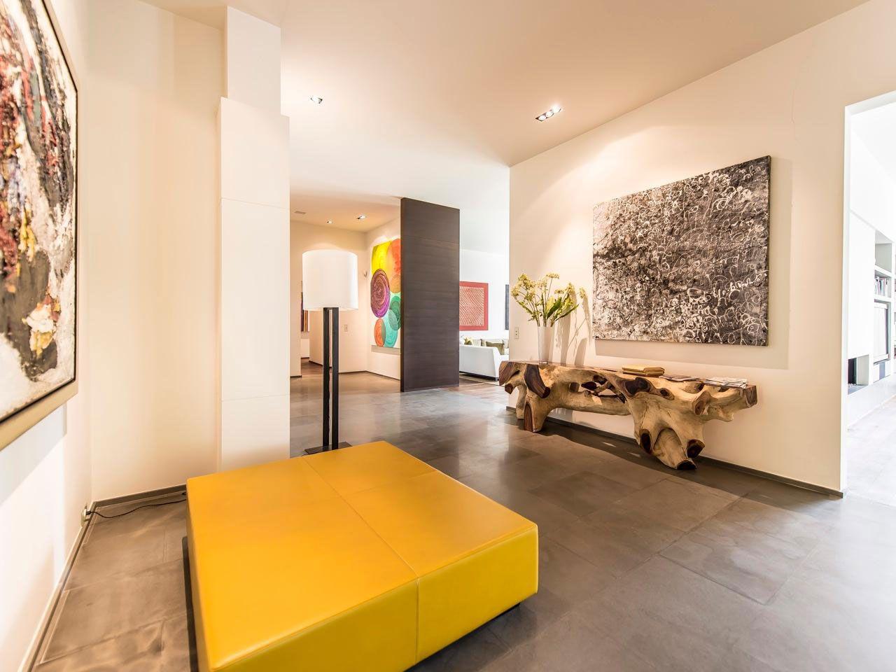 Chic Elegant Apartment in Brussels With Bright Interiors-03