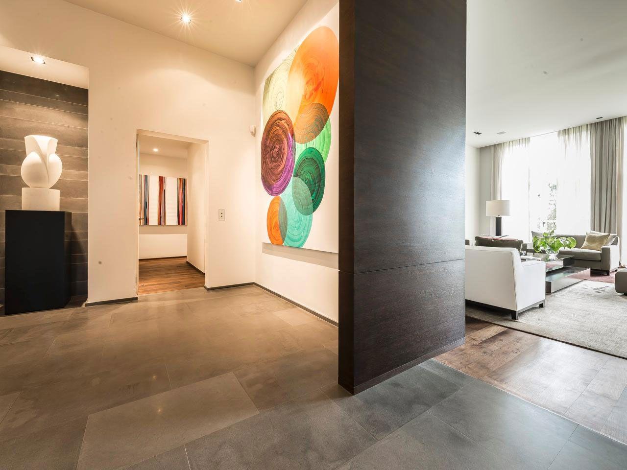 Chic Elegant Apartment in Brussels With Bright Interiors-06
