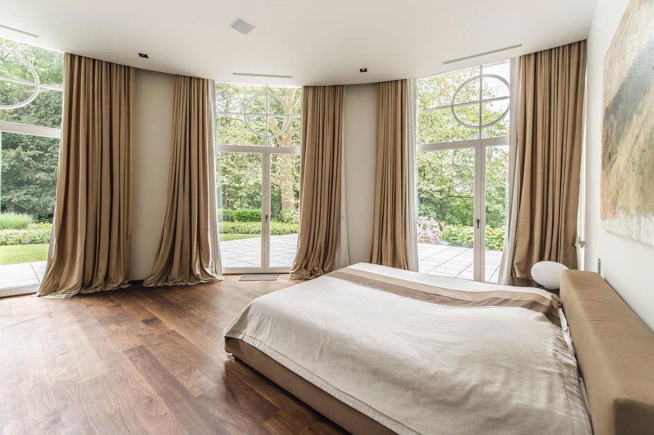 Chic Elegant Apartment in Brussels With Bright Interiors-15