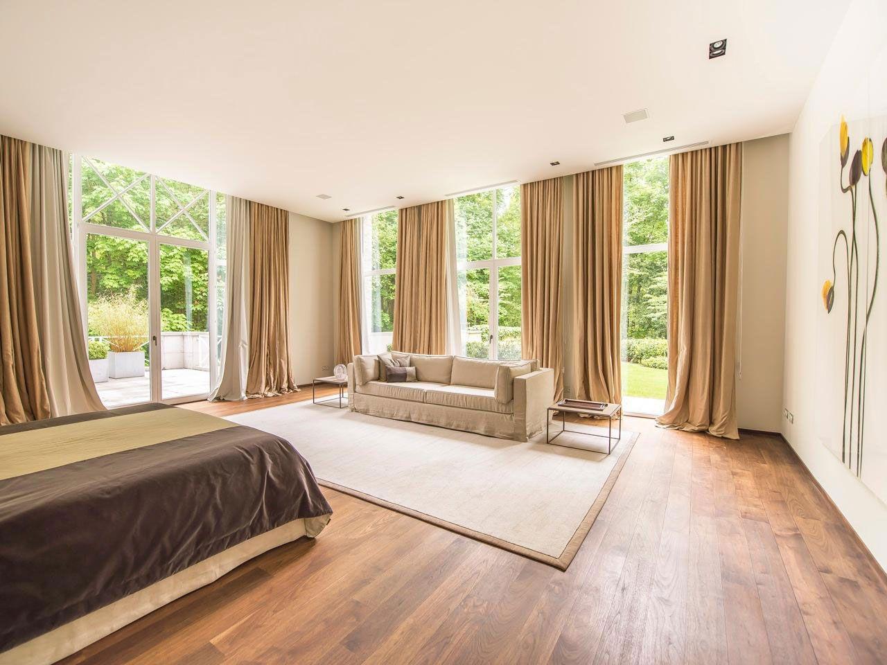 Chic Elegant Apartment in Brussels With Bright Interiors-16