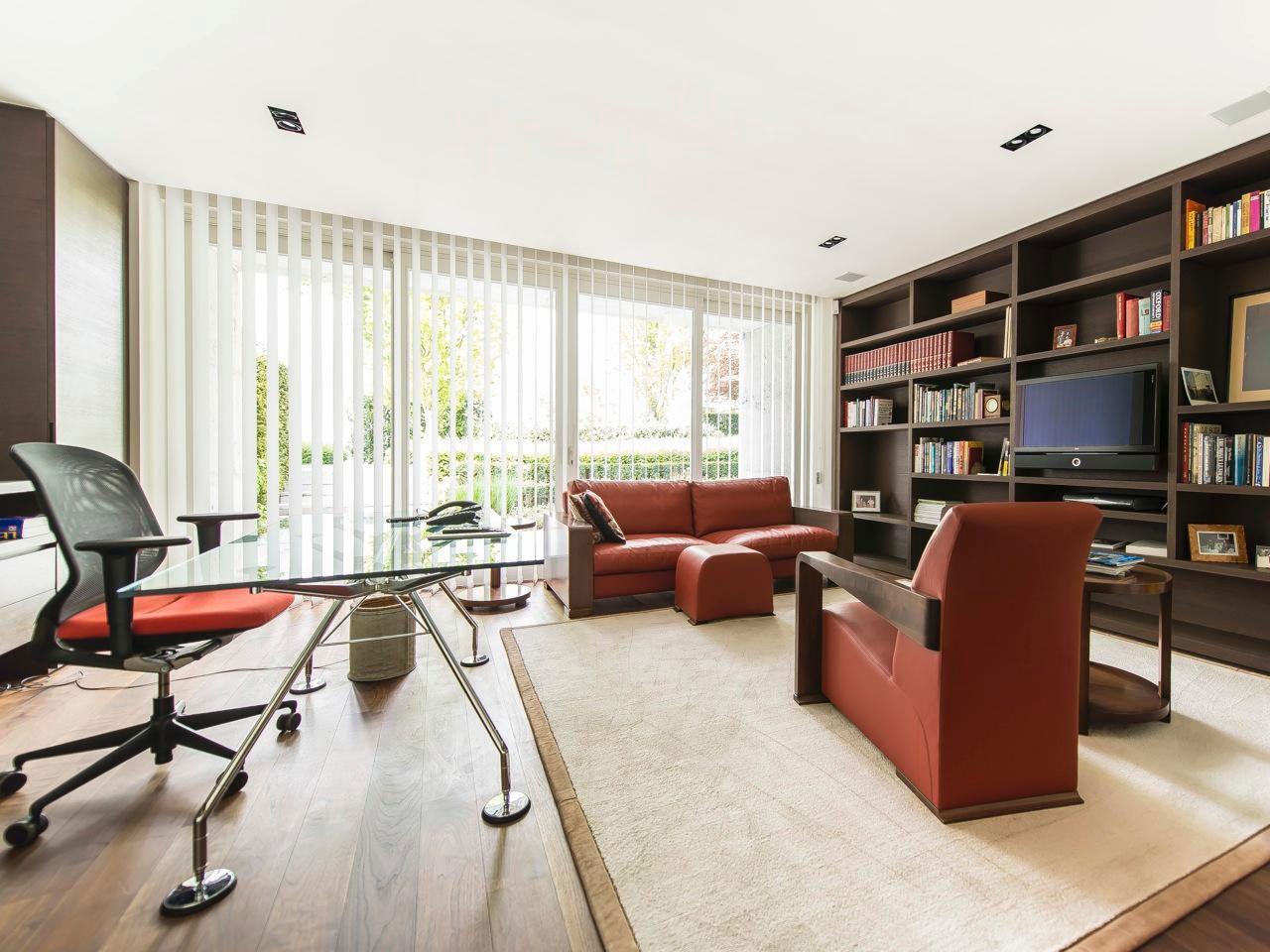 Chic Elegant Apartment in Brussels With Bright Interiors-21