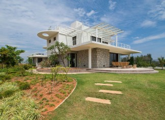Clover Villa by Mistry Architects