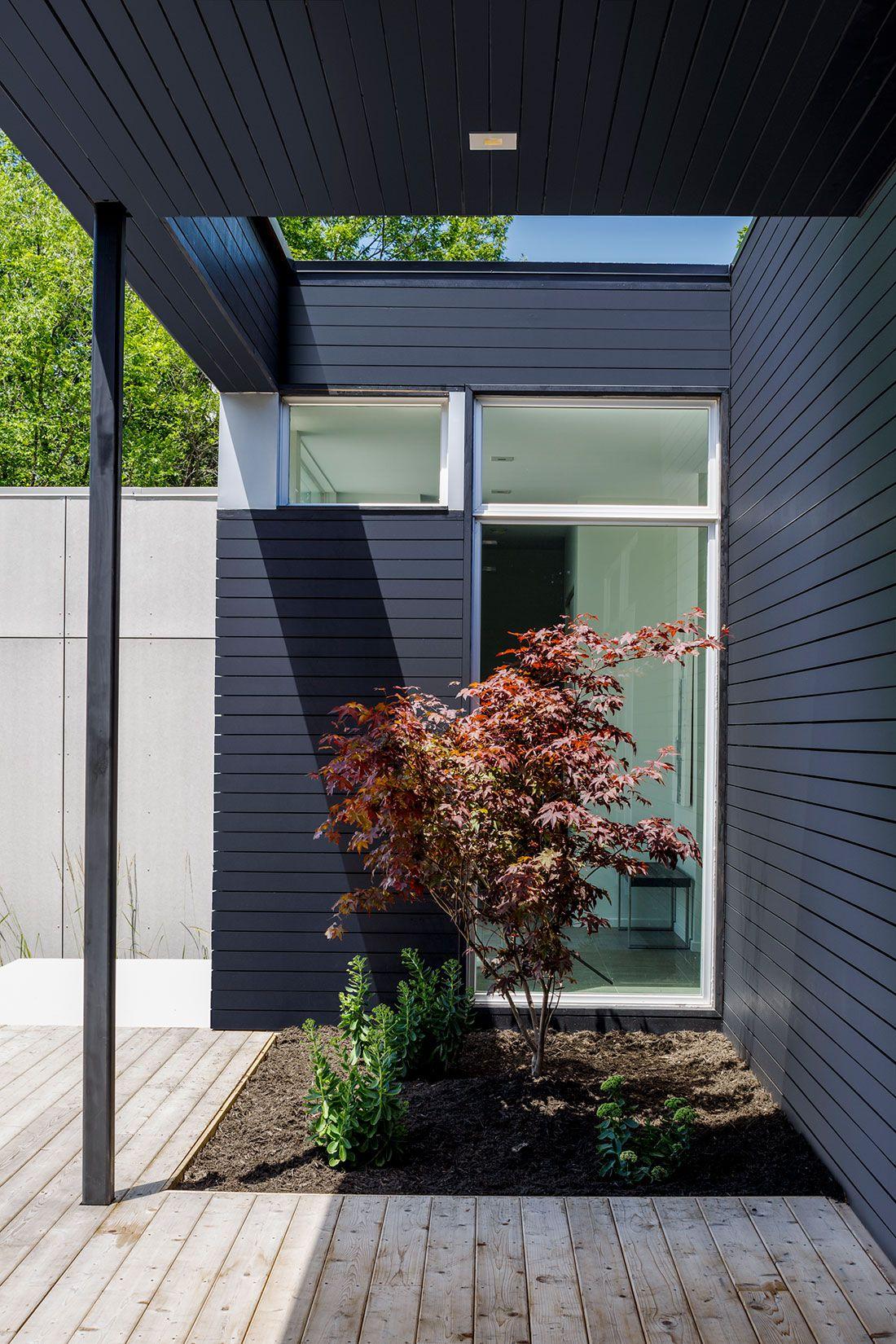 Contemporary Dunrobin Shore Residence-02