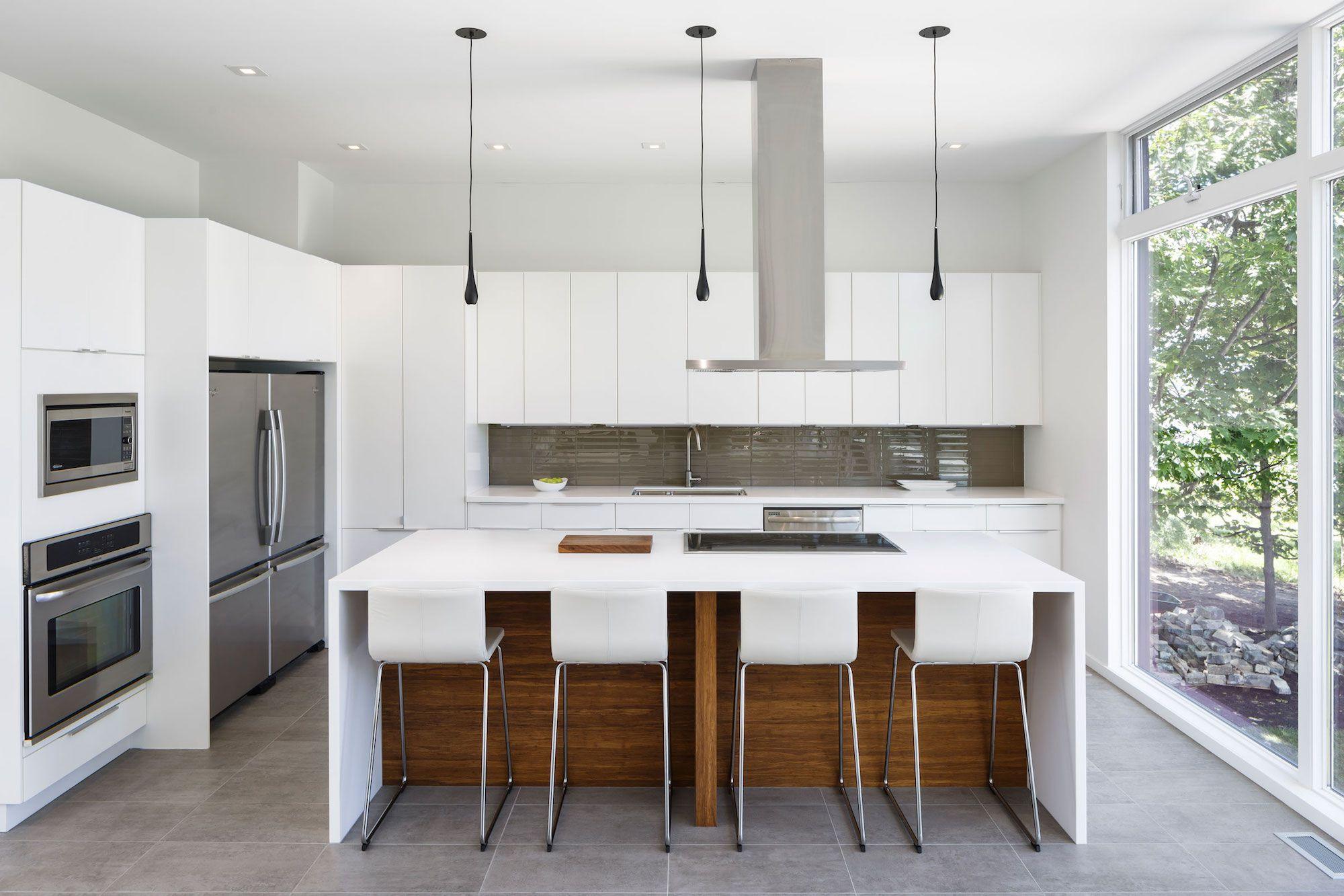 Contemporary Dunrobin Shore Residence-06
