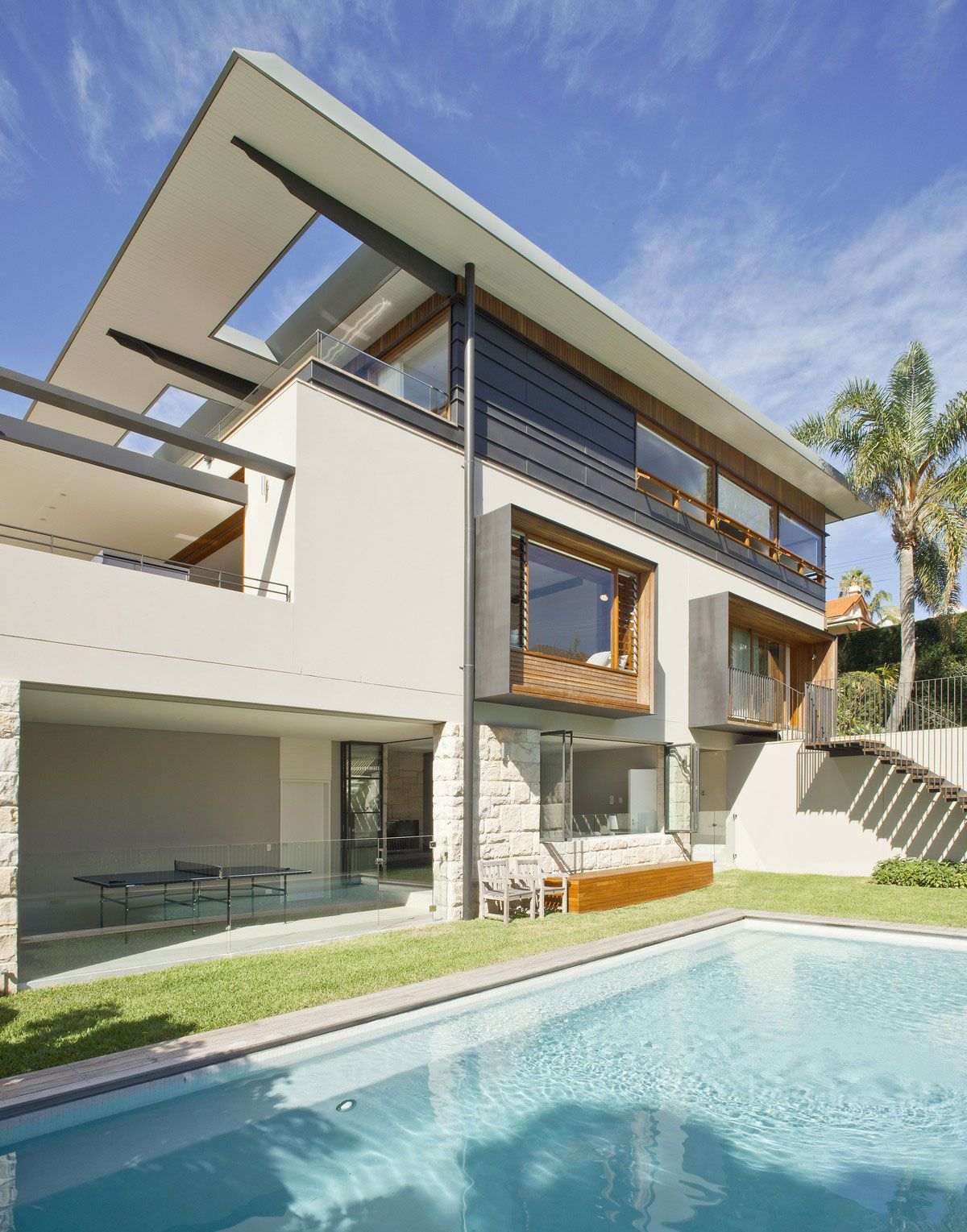 Contemporary Middle Harbour House Design-01