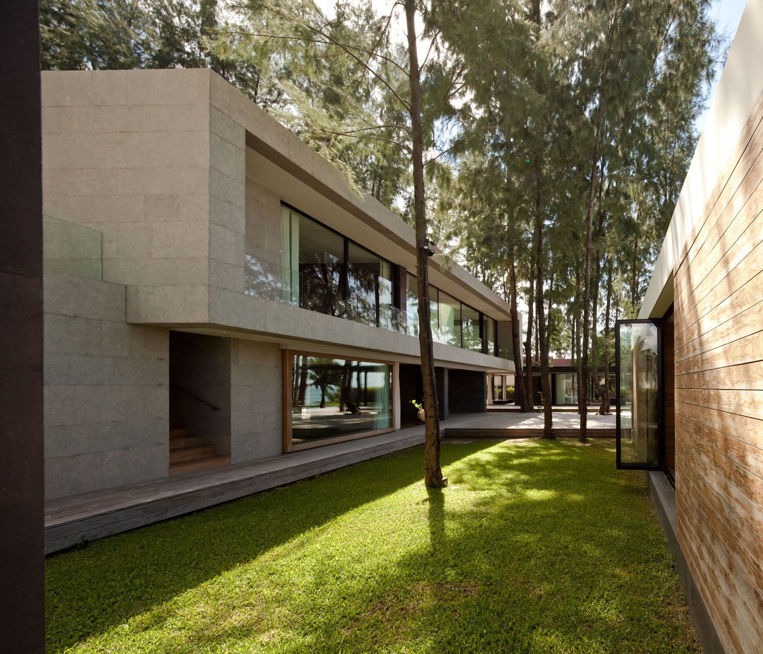Contemporary Villa Noi-04
