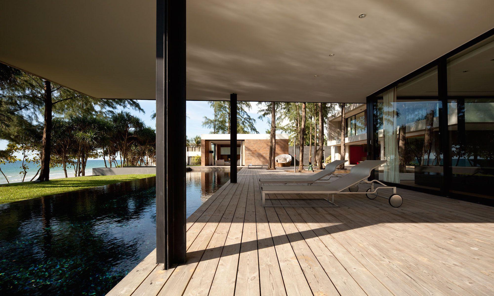 Contemporary Villa Noi-06