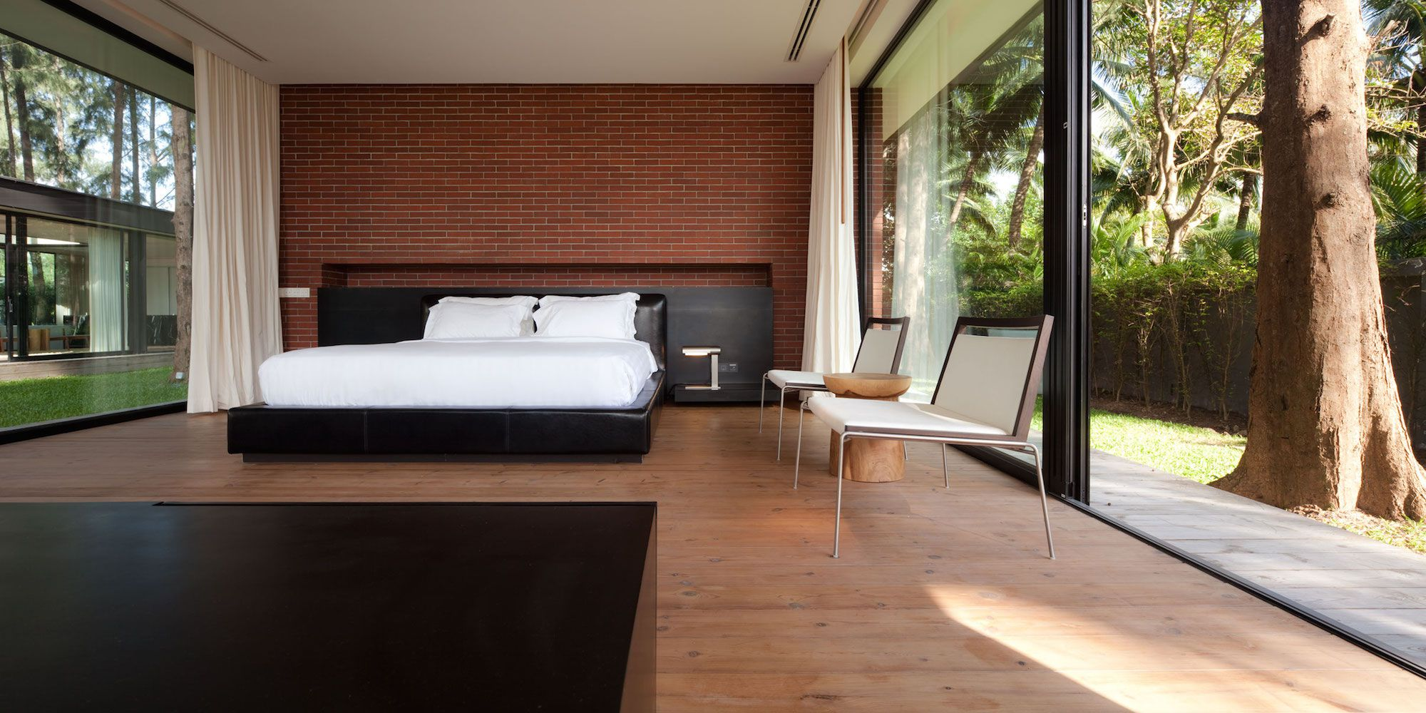 Contemporary Villa Noi-13