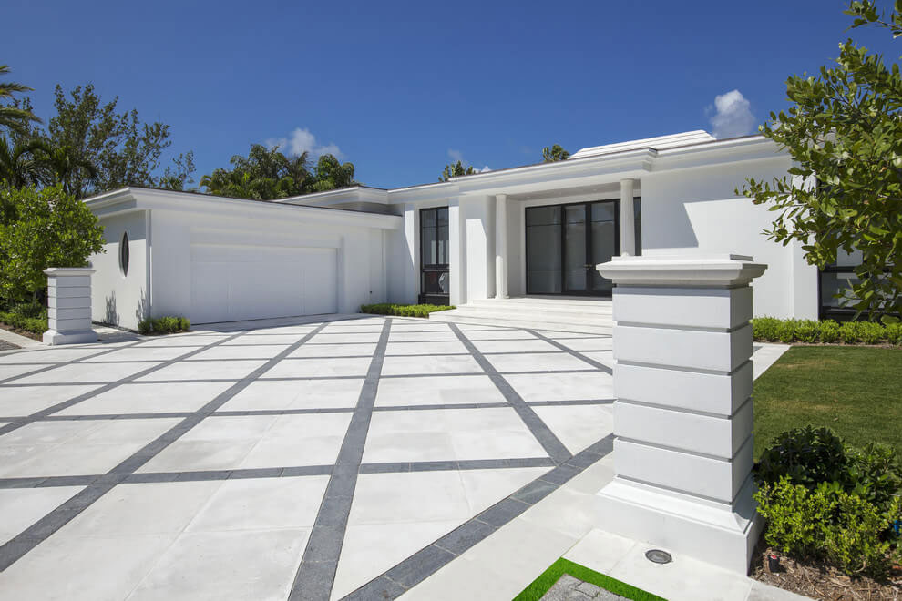 Contemporary White Estate in Palm Beach Keating Moore-01