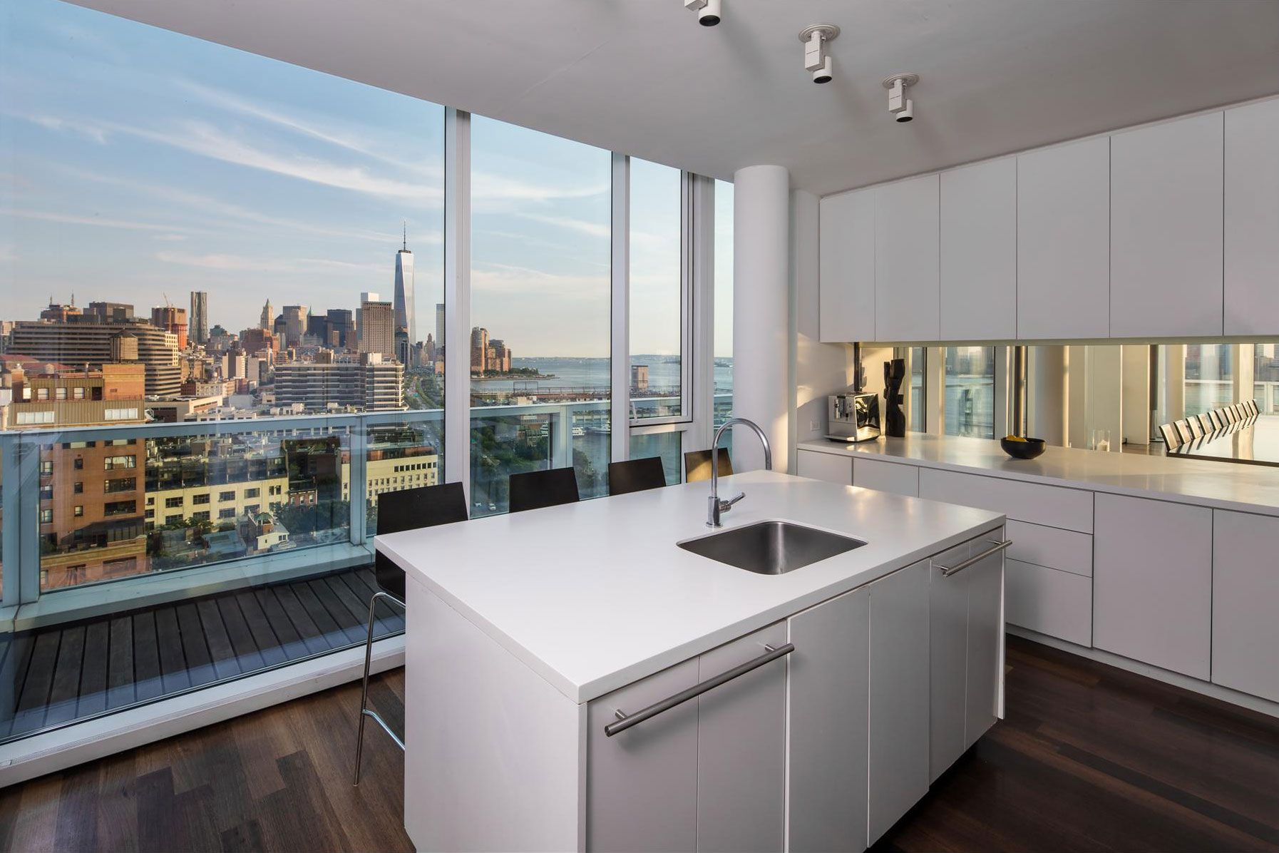 165 charles street penthouse in the meatpacking district by