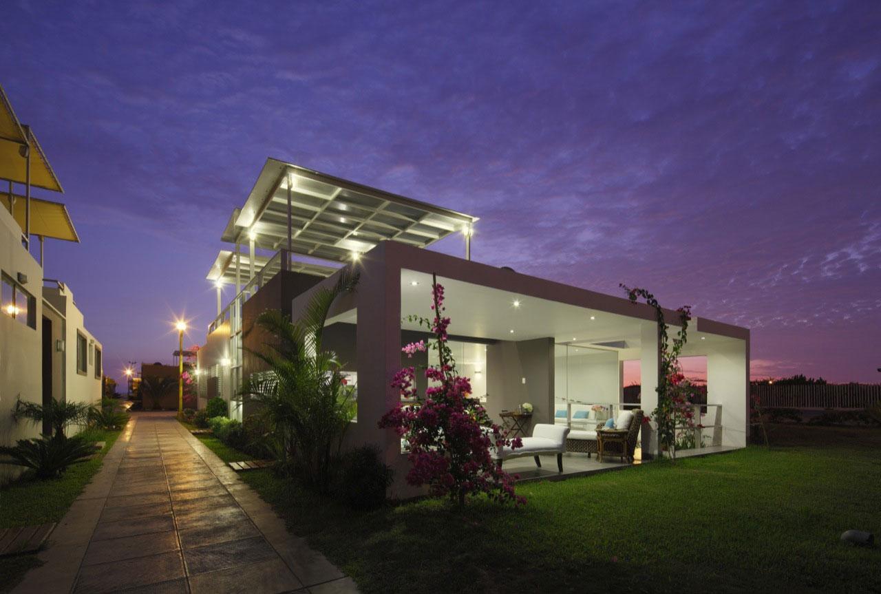 Flower House by Gómez de la Torre & Guerrero Arquitectos-12