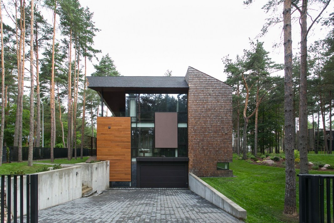 Ultra Modern Flügel Residence by Arch-D