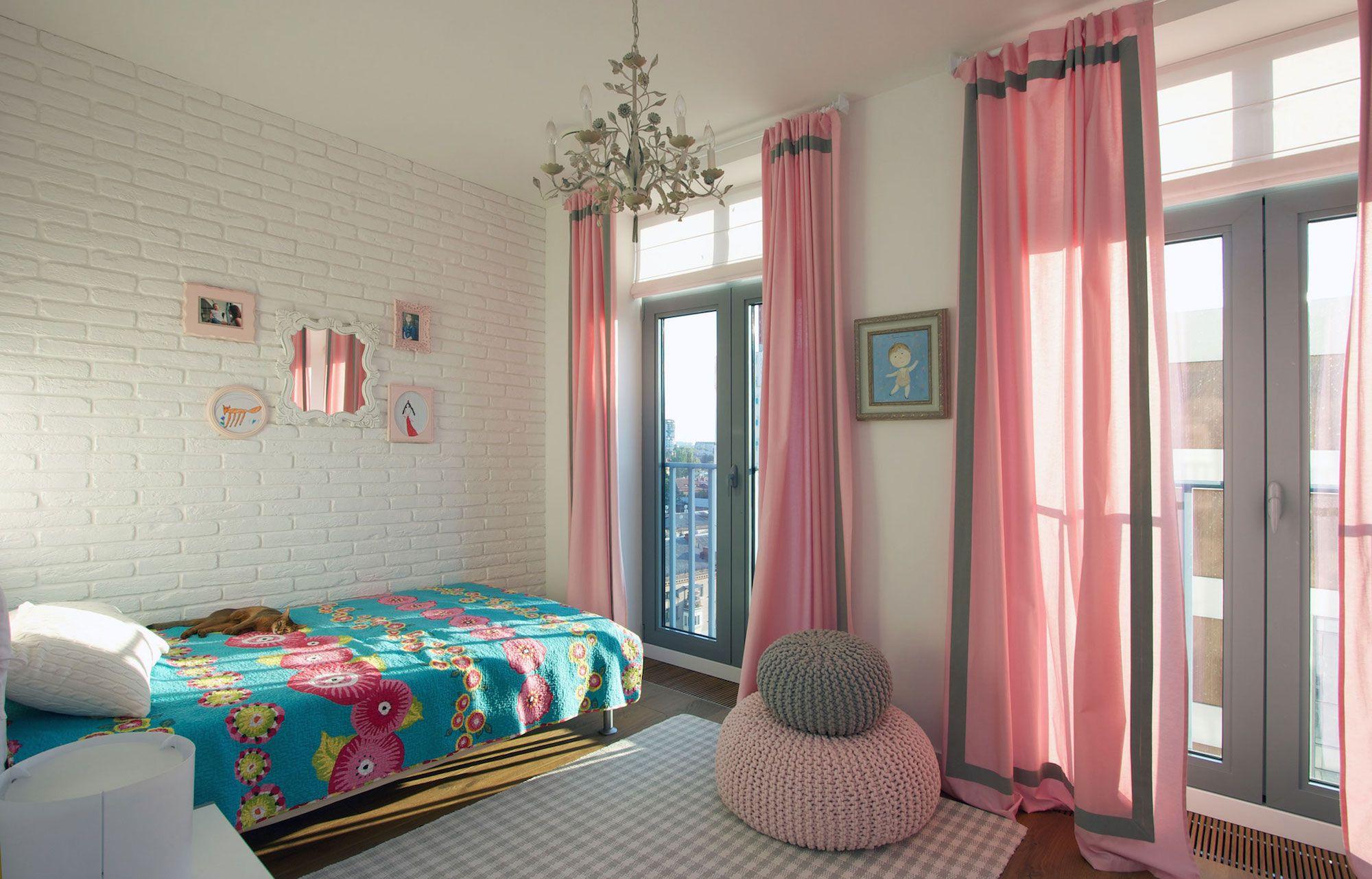 Green Grass Walls Apartment by SVOYA Studio-12