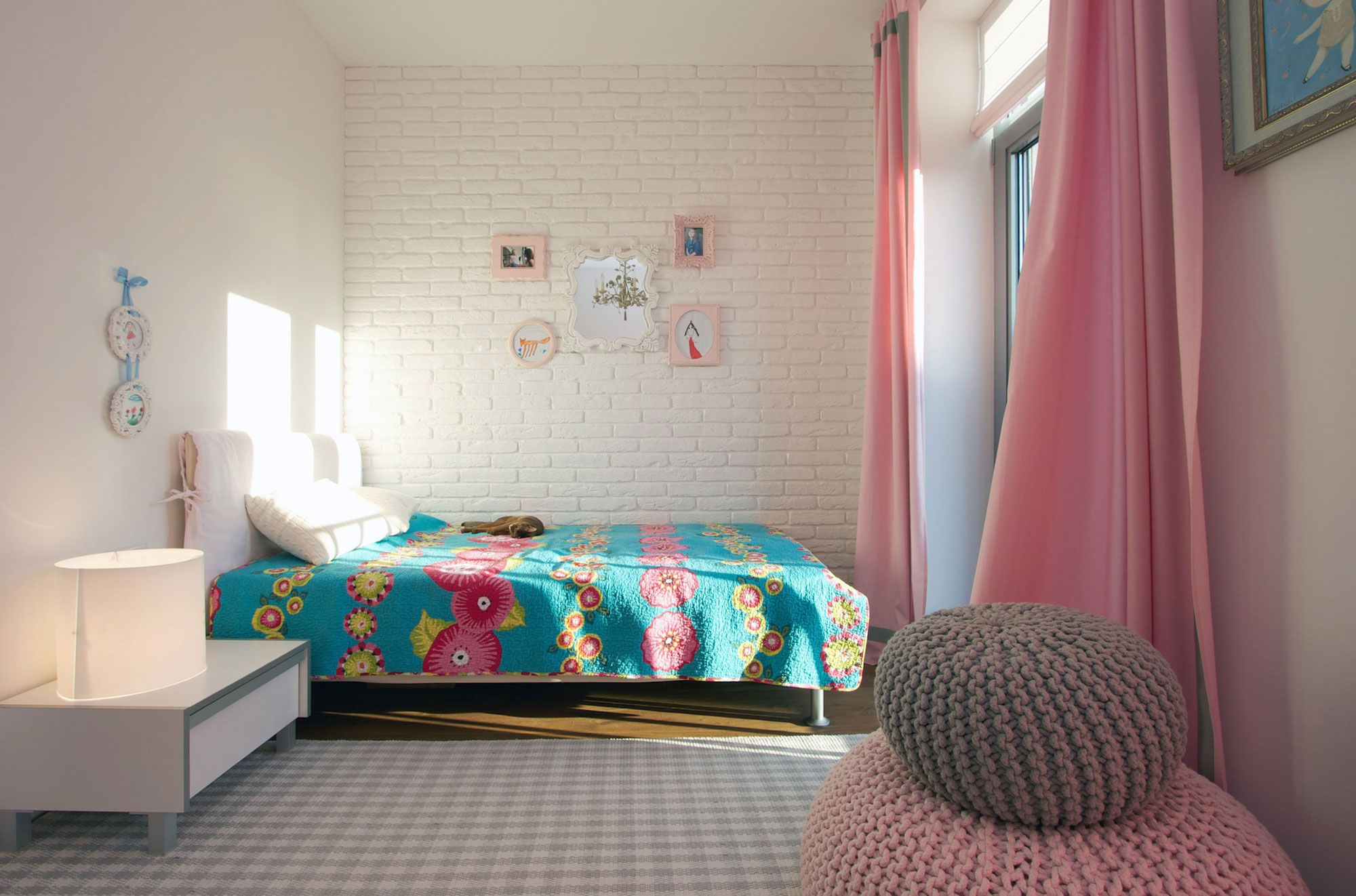 Green Grass Walls Apartment by SVOYA Studio-13