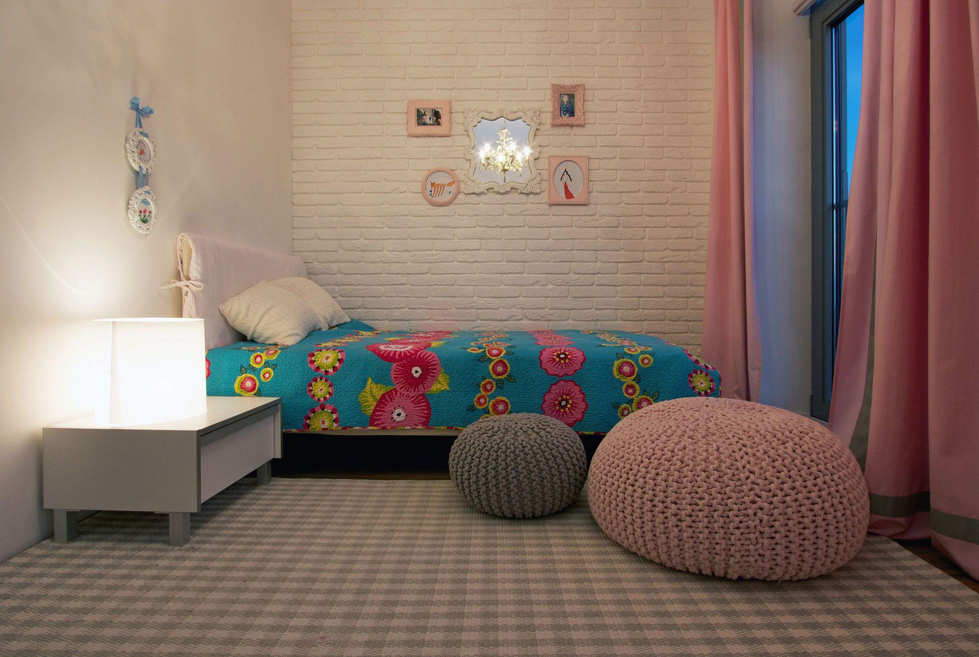 Green Grass Walls Apartment by SVOYA Studio-14