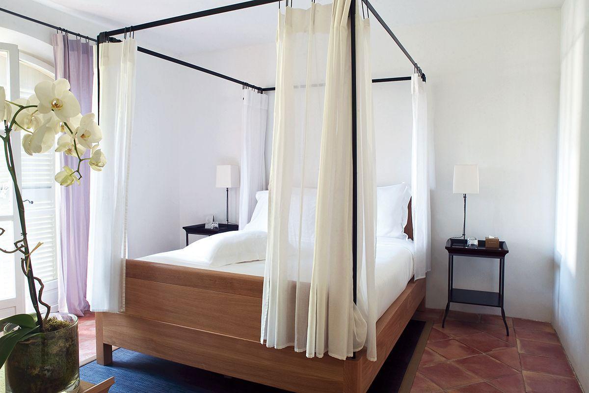 Hotel-La-Reserve-31